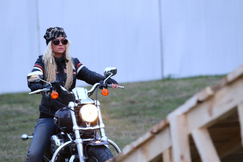 маша гойя на мотоцикле фото