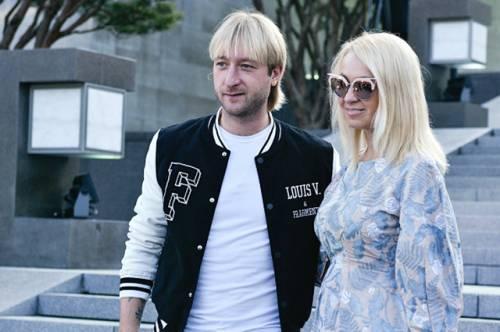 Евгений Плющенко и Яна Рудковская на показе Louis Vuitton