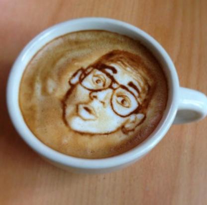 рисунок на кофе лицо мужчины фото