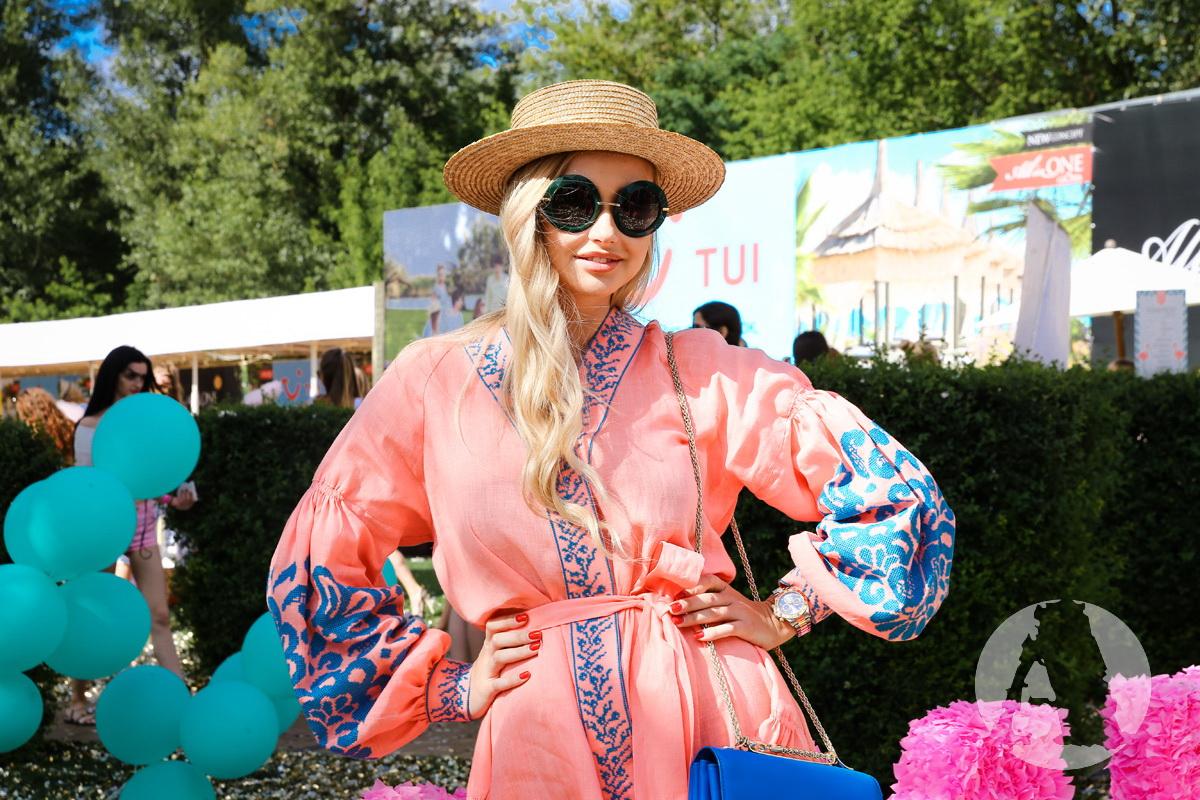 фото девичник Flamingo Pool Party2