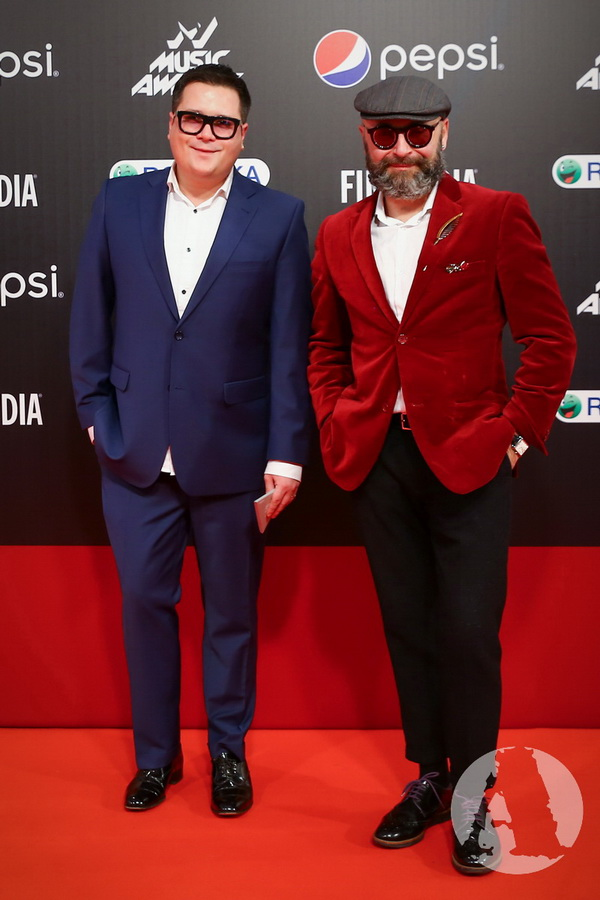 фото Серж Смолин и Серж Пайе на M1 Music Awards III Элемент