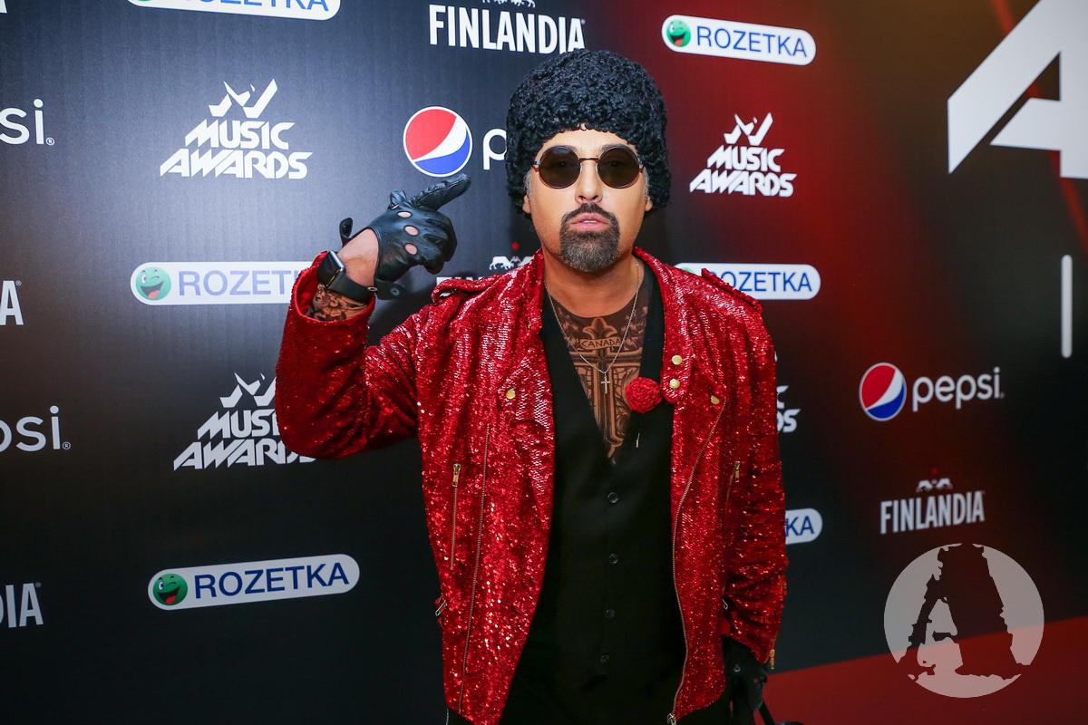 фото дмитрий коляденко на M1 Music Awards III Элемент
