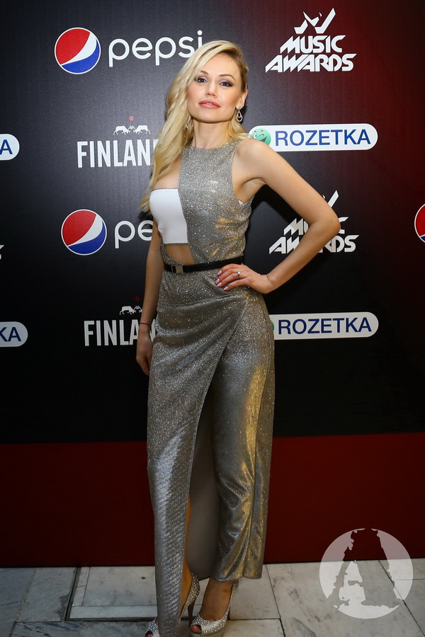 фото Индира на М1 Music Awards