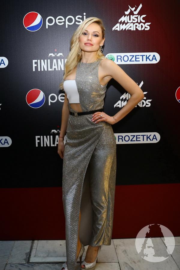фото Индира на М1 Music Awards