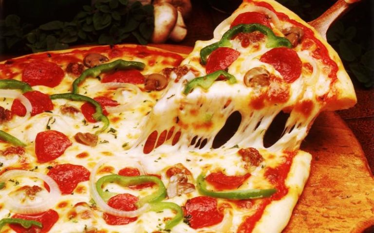 pizza lovers essay Definition essay: love love is something that means very different things to different people for some, love can be purely romantic, or even purely sexual for.