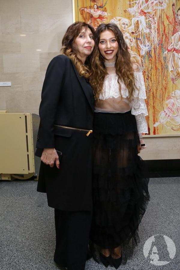 фото Регина Тодоренко с мамой на VIVA! Самые красивые 2018