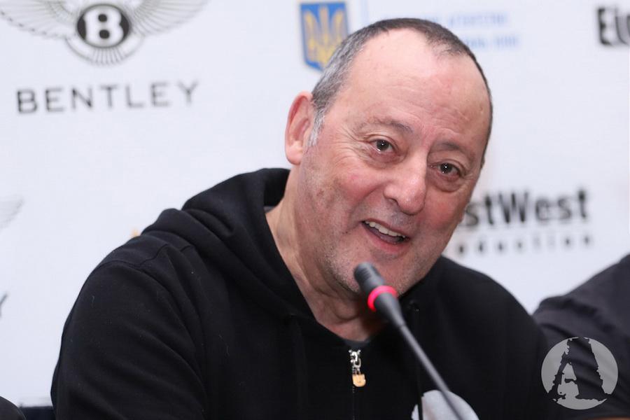 Жан Рено на пресс-конференции в Киеве фото