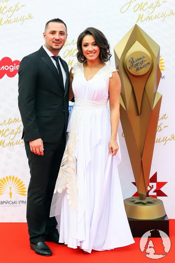 Наталка Карпа с мужем фото