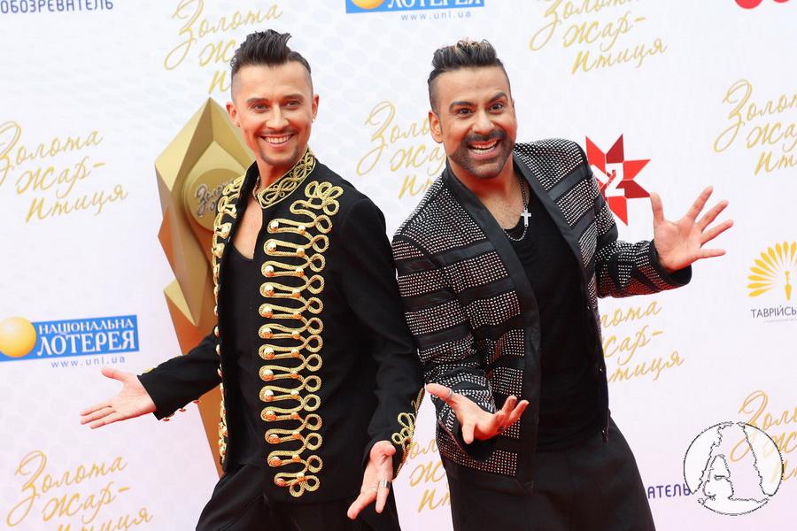 фото Амадор Лопес и Олег Серафим на красной дорожке премии Золотая Жар-птица