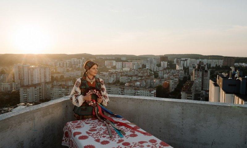 Фото 1 со съемок клипа Оксаны Мухи Шуміла ліщина