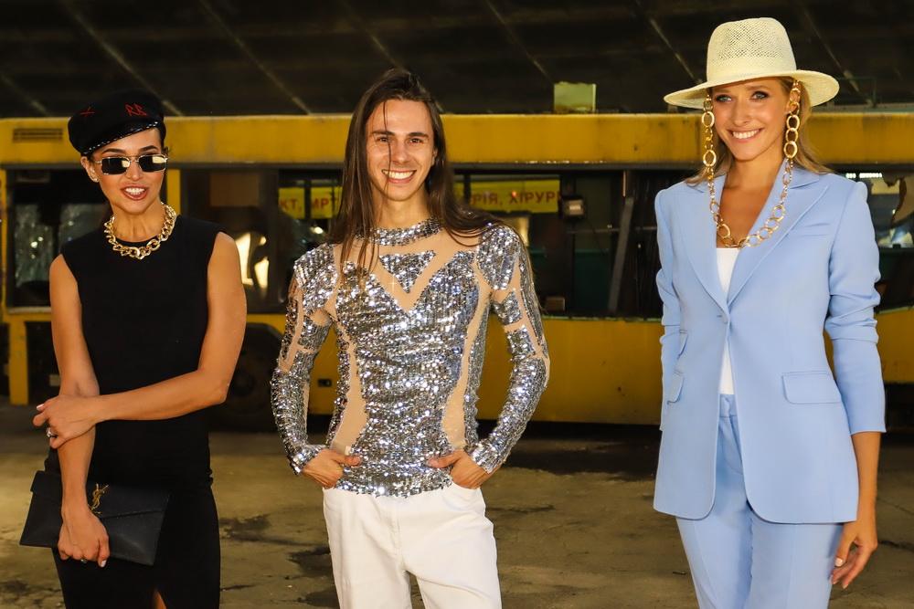 фото Маша Фокина, Жан Грицфельдт и Катерина Осадчая на показе мод в автобусном парке №7