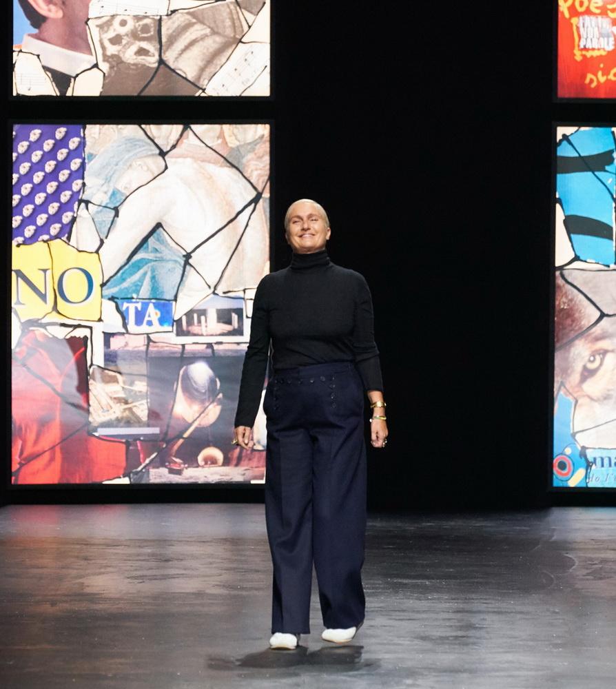 фото Марии Грации Кьюри на показе Dior SS21 на Неделе моды в Париже