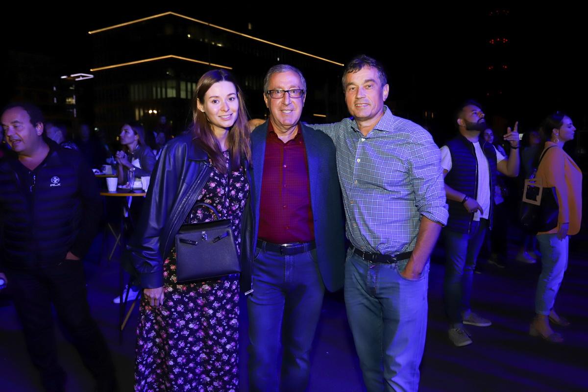 на фото Зоя Литвин, Николай Баграев и Василий Хмельницкий на вечеринке «Даруємо емоції» в UNIT.Сity