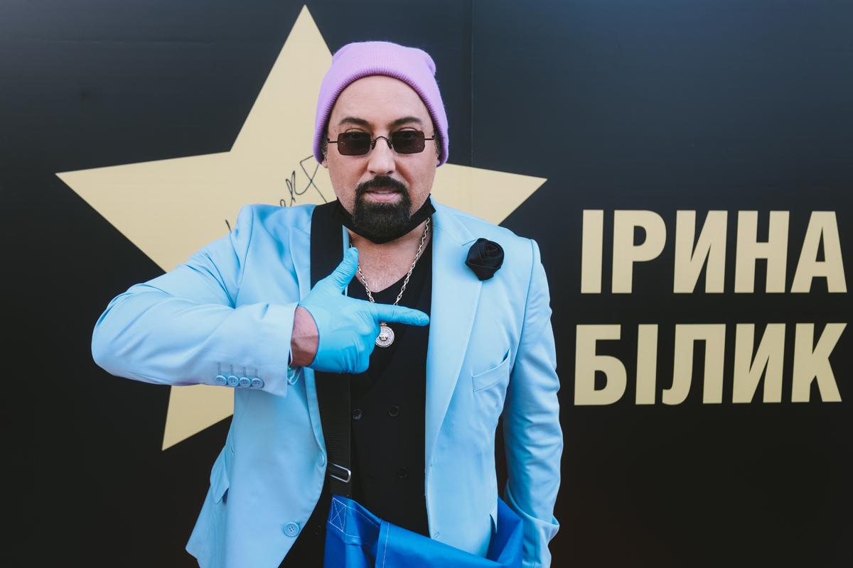 "фото Дмитрий Коляденко на фоне ""звезды"" Ирины билык"