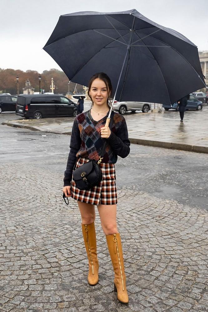 фото принцессы Александры Ганноверской перед показом Dior SS21