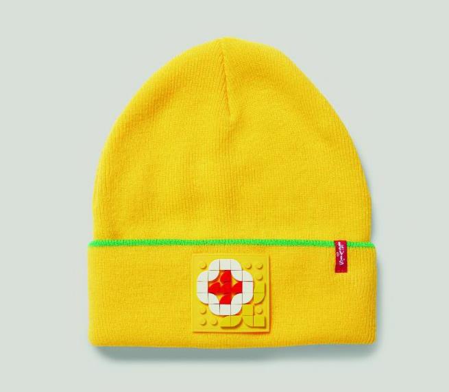 фото желтой шапки Levi's LEGO