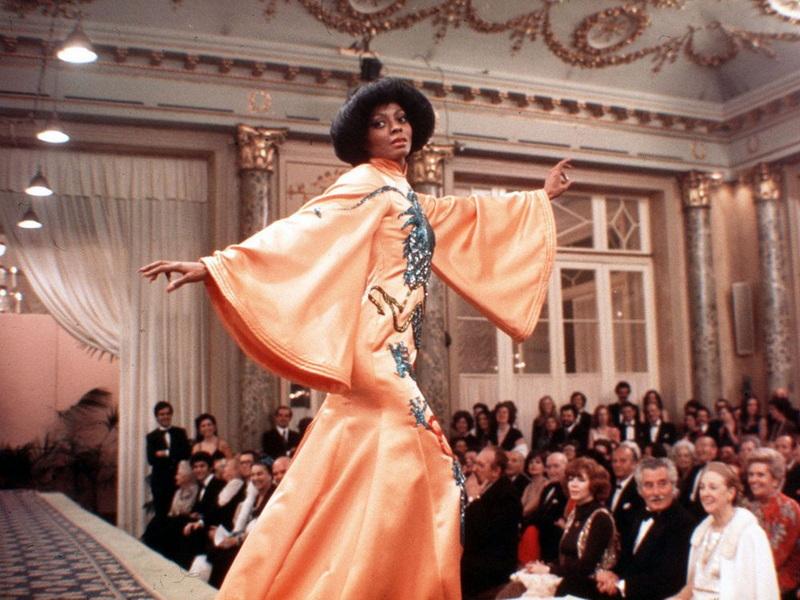 фильмы про моду и стиль - Красное дерево, 1975