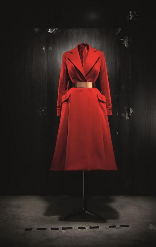 фото платье-пальто Раф Сименс для Christian Dior