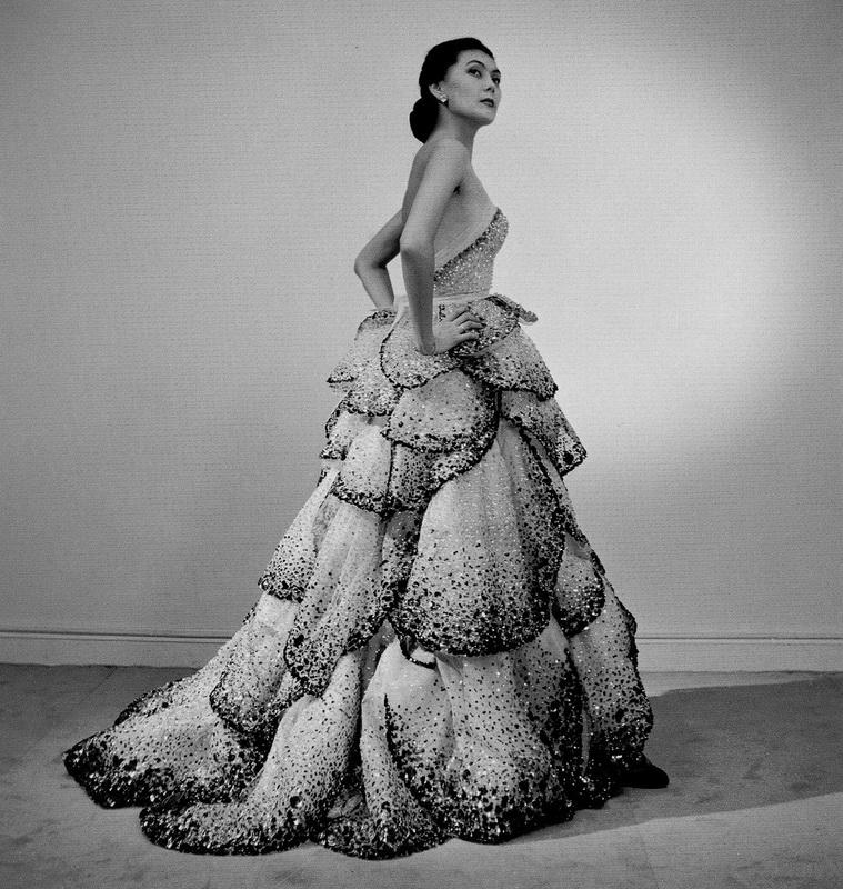 фото модель в платье Юнона