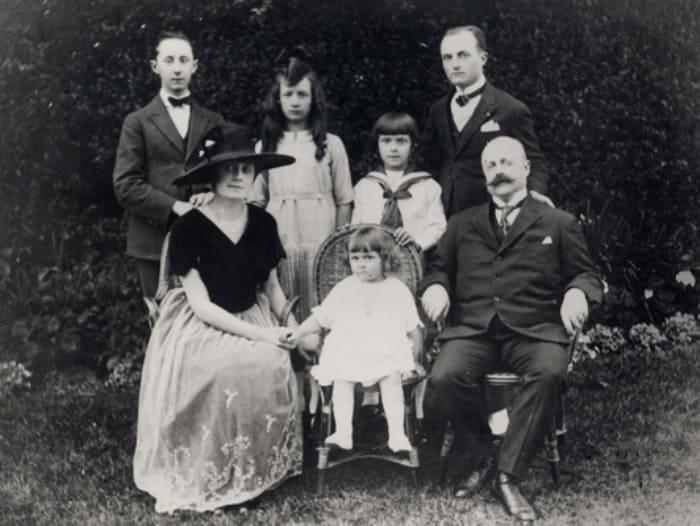 Фото: Кристиан Диор семейное фото