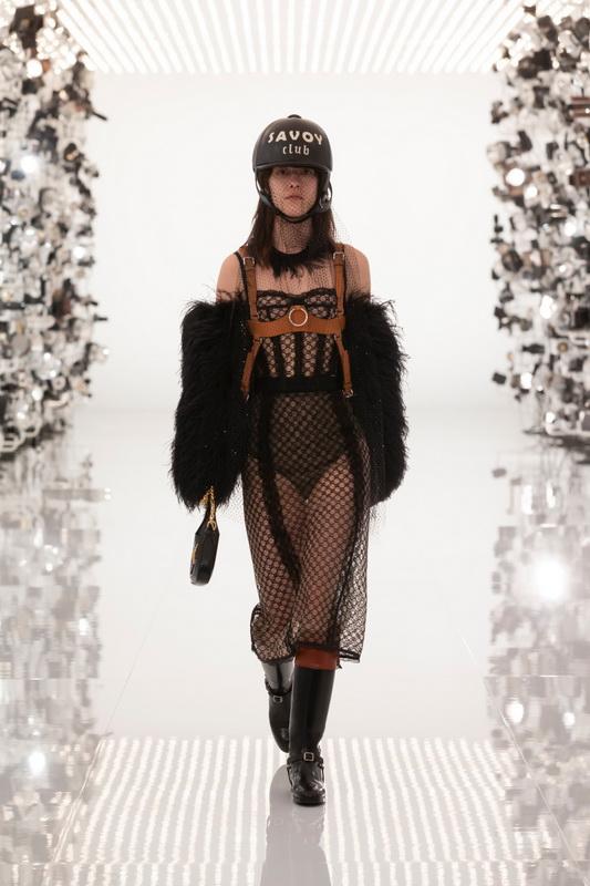 Gucci коллекция Pre Fall 21 Aria foto-01
