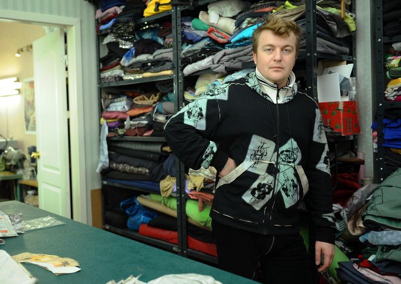Алексей Залевский в пошивочном цеху